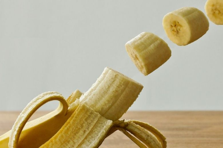 body two bananas day
