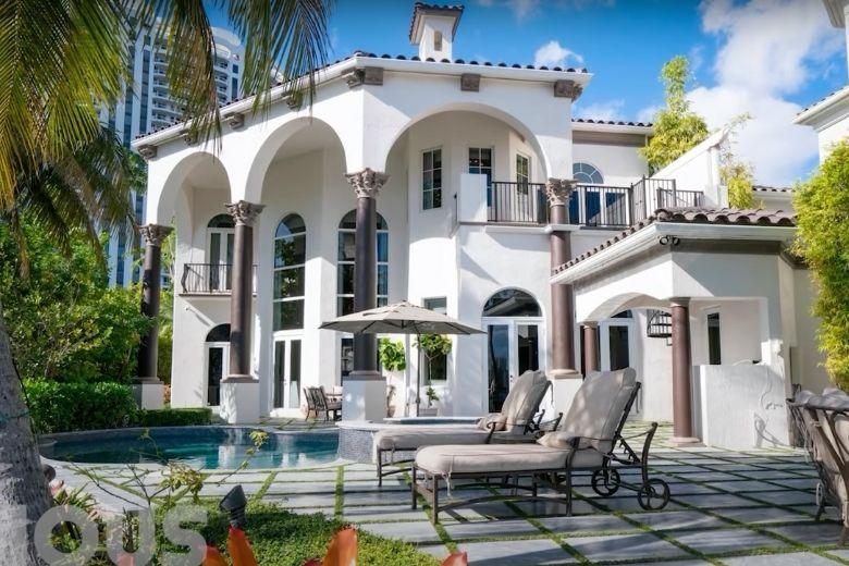 Celebrities homes